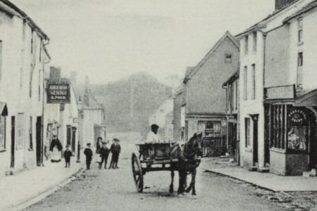 The Kings Head c1905. Sign reads 'Kings Head Inn J.Pugh'